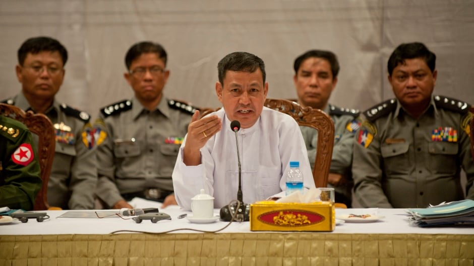 Ex-Information Minister of Myanmar Ye Htut denies that forces are burning down Rohingya villages.