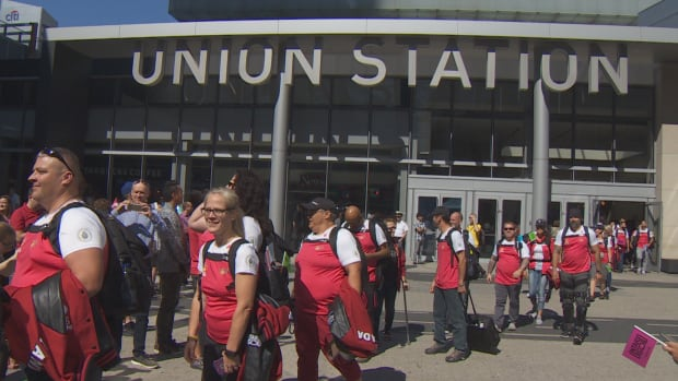 Team Canada touches down in Toronto for Invictus Games