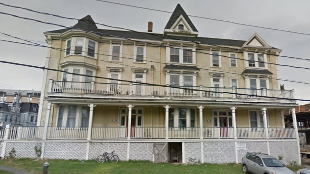A demolition permit has been issued for the former Elmwood Hotel, located at 5185 South St. in Halifax.