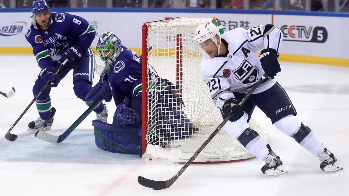 China-canucks-kings-hockey