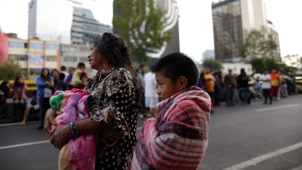 Mexico: As quake search continues, thousands homeless