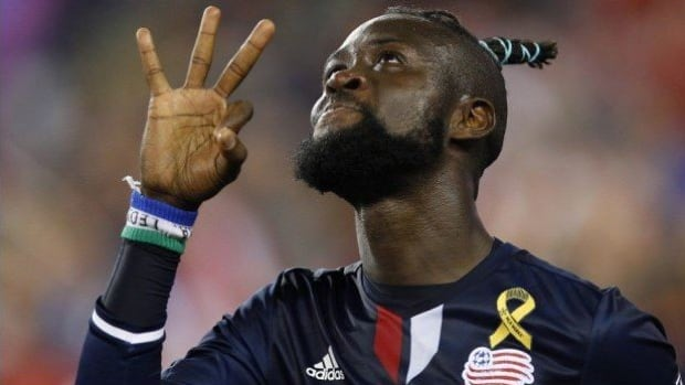 Kei Kamara scored the go-ahead goal in the 87th minute to give the New England Revolution a 2-1 victory over Toronto FC on Saturday evening.
