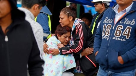 cbc.ca - Earthquake strikes Mexico coast just days after quake in capital kills more 300