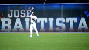 Bautista leads Jays past Yankees in likely final home game