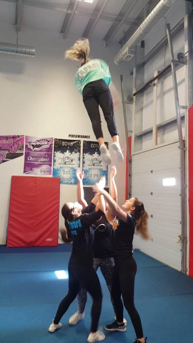 Cheerleaders jump Saskatoon