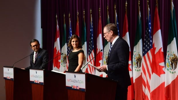 Mexico's Secretary of Economy Ildefonso Guajardo Villarreal, (left to right) Canada's Foreign Affairs Minister Chrystia Freeland and United States Trade Representative Robert Lighthizer attend a news conferernce on the NAFTA negotiations in Ottawa on Wednesday, Sept. 27, 2017.