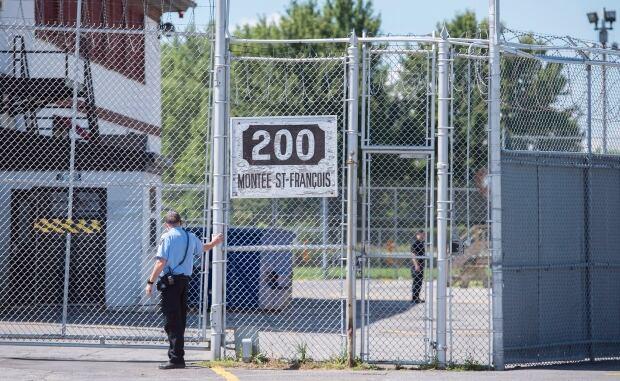 Immigrant Detainees 20160815