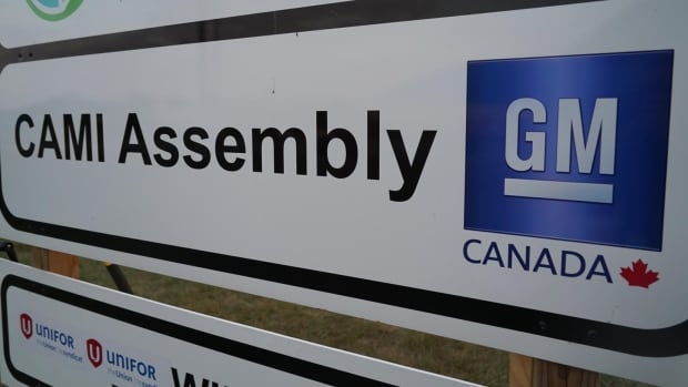 Talks between negotiators for General Motors and Unifor, which represents 2,800 striking workers at the CAMI assembly plant in Ingersoll, have resumed.