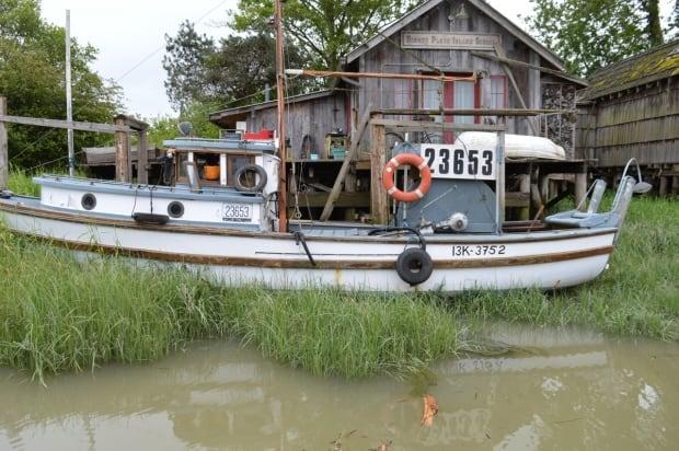 Old fishing boat, Finn Slough BC