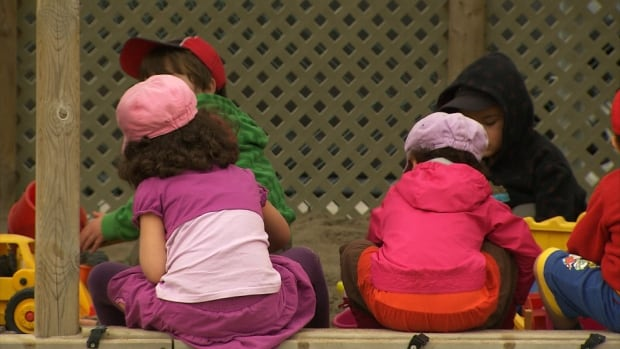The main sticking points in negotiations between the government and CSN-affiliated child-care workers are salaries and pensions, and the worker-to-children ratio.