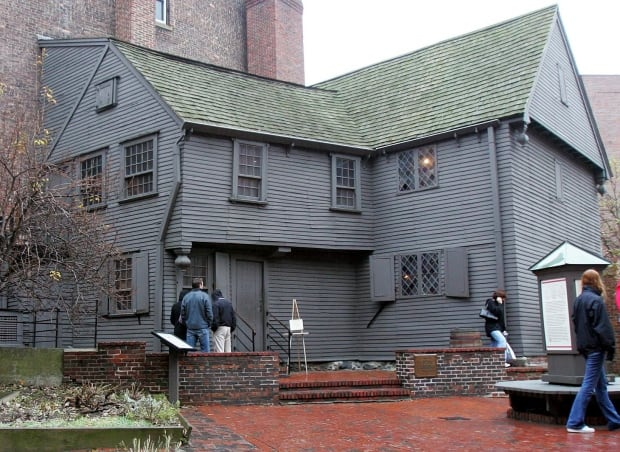 Paul-Revere-Outhouse