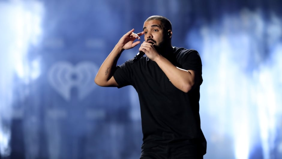 LAS VEGAS, NV - SEPTEMBER 23:  Rapper Drake performs onstage at the 2016 iHeartRadio Music Festival at T-Mobile Arena on September 23, 2016 in Las Vegas, Nevada.  (Photo by Christopher Polk/Getty Images for iHeartMedia)