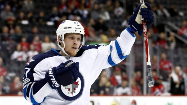Jets sign Nikolaj Ehlers to 7-year, $42M extension