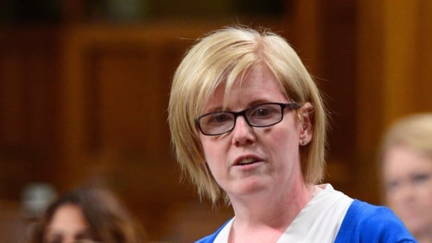 Minister of Public Services and Procurement Carla Qualtrough's mandate letter makes fixing the Phoenix pay system her top priority.