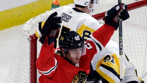 Brandon Saad celebrates a goal during the Blackhawks 10-1 win over the Pittsburgh Penguins on Thursday in Chicago.