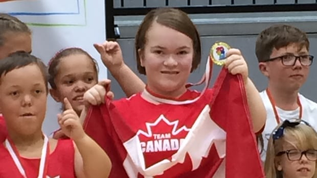 Zoe Elverum joined Team Canada at the 2017 World Dwarf Games in Guelph, Ont., where she won a gold medal for floor hockey, and silver for volleyball.
