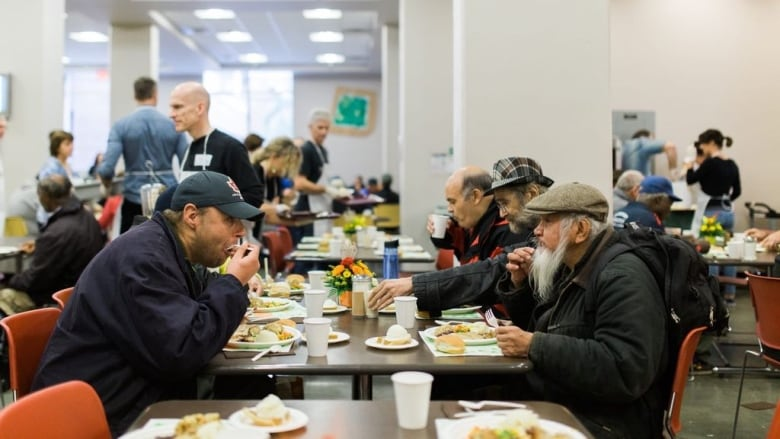 ' Thanksgiving at Vancouver's Union Gospel Mission | CBC News