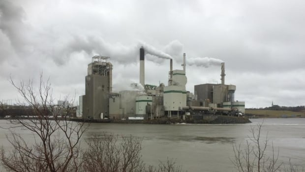 Ottawa Pushes Ahead With Carbon Price Despite Opposition From Provinces