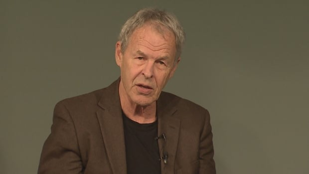 Linden MacIntyre - The Only Cafe