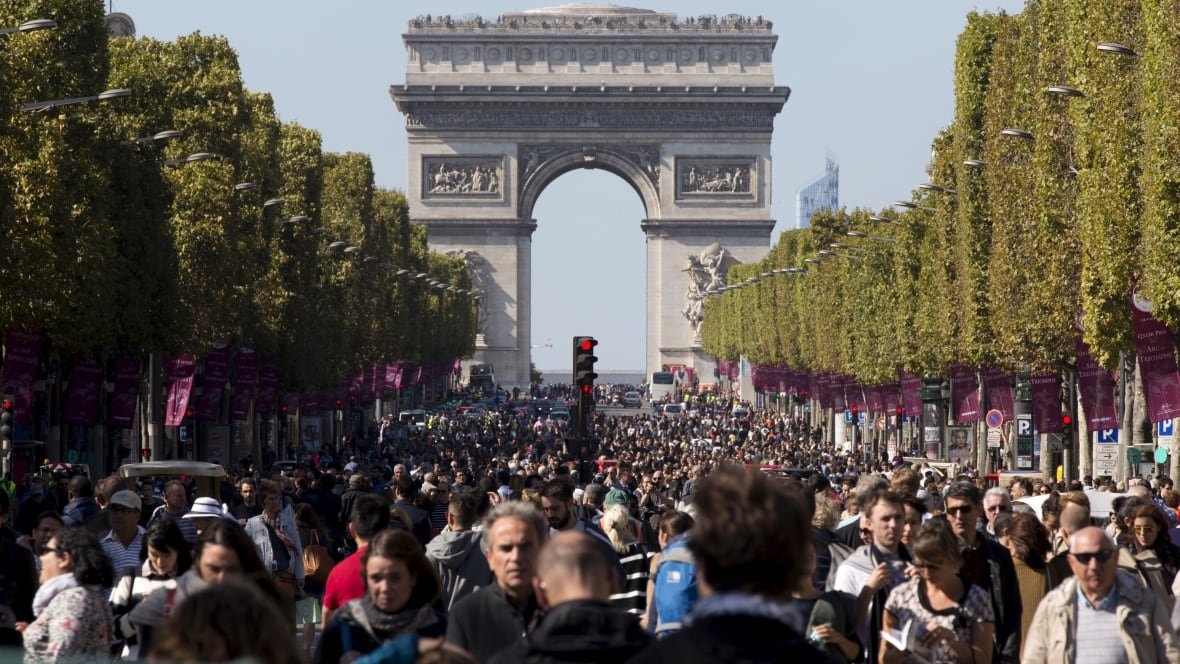 Paris to ban all gas-powered cars by 2030