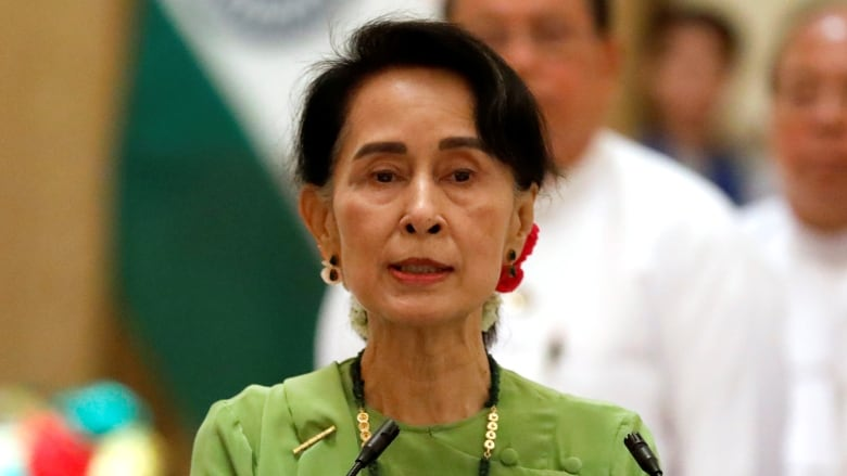 Suu Kyi calls for unity in Myanmar, without mentioning beleaguered Rohingya by name