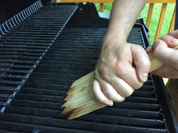 wooden grill cleaner