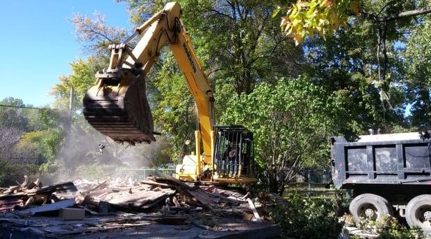 pierrefonds floods home demolition