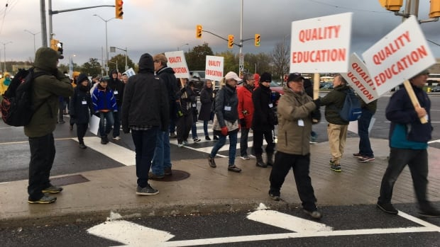 Algonquin College has announced this fall's semester has been extended to Dec. 22 as the province-wide faculty strike nears the end of its fourth week.
