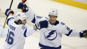 Kucherov keeps scoring streak alive as Lightning top Red Wings