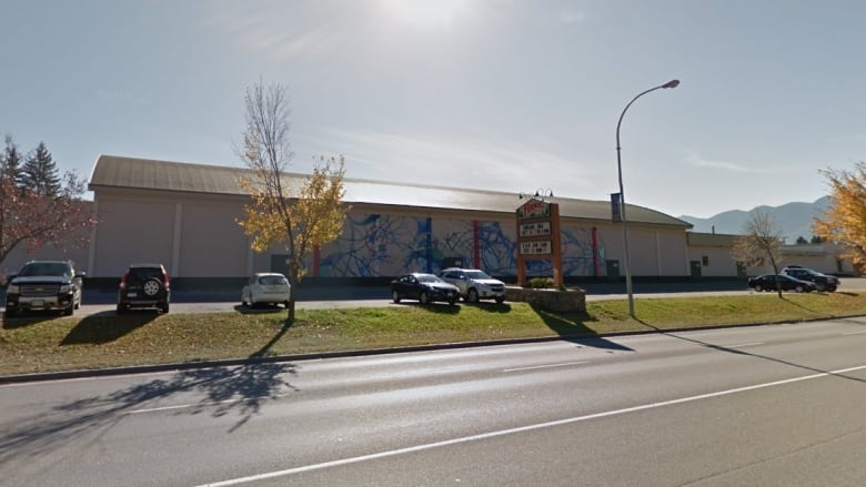 Ammonia leak at arena in Fernie, BC draws emergency response