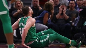 Hayward's gruesome injury overshadows LeBron-Kyrie bro-battle