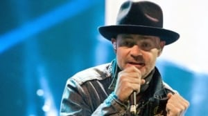 Gord Downie used voice to 'shed a light' on aggressive brain cancer