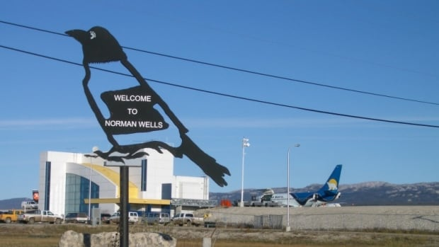 The N.W.T. government has dissolved the town council in Norman Wells and appointed an administrator to handle the town's business.