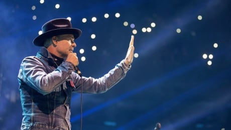 Glioblastoma, brain tumour that took Gord Downie's life, tough to treat, doctors say thumbnail
