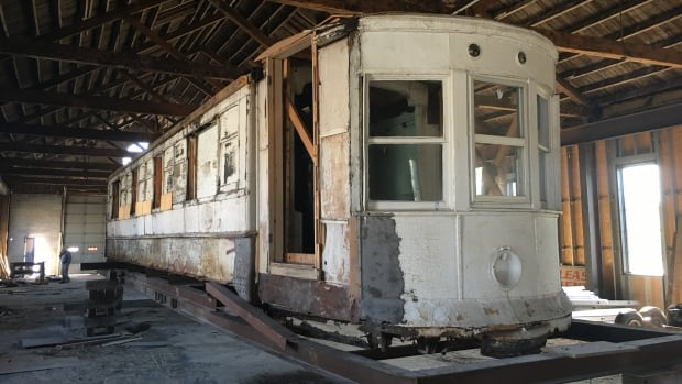 City council voted on Monday night to restore an original Windsor streetcar. The 15 metre long vehicle weighs about 11,000 kilograms.