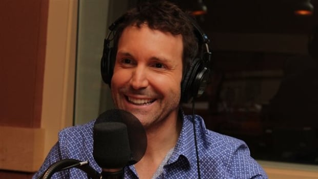 Eleven people told La Presse they were victims or witnesses to misconduct of a sexual nature by Quebec host and producer Eric Salvail.