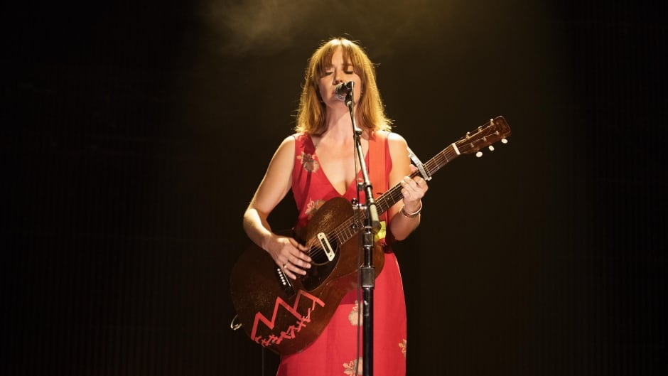 Feist pays tribute to Gord Downie with moving cover of a song from Secret Path