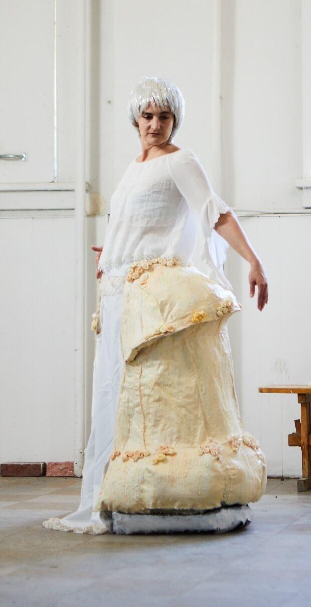 Jenny McMaster cake dress