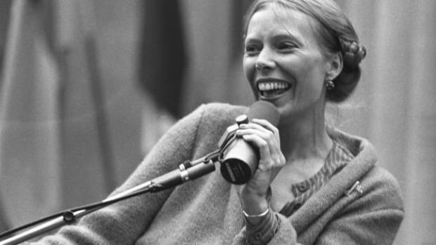 Earliest known recording of Joni Mitchell, thought lost forever, found in B.C. basement | CBC News