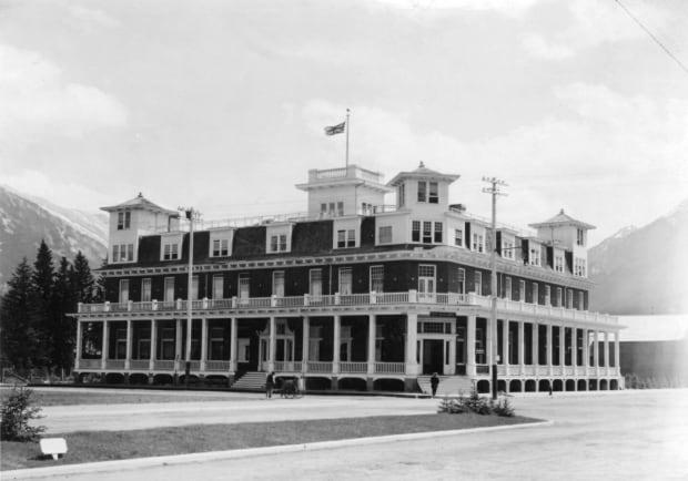 Banff Hotel original