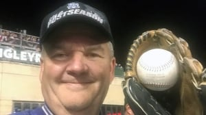 Fan-tastic! Man catches two HR balls in NLCS
