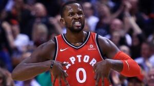 Raptors land 1st punch, knock out Bulls in home opener