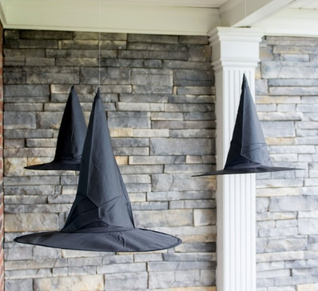 Floating witch hat DIY