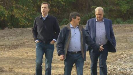 Farm inheritance 'close to my heart,' MacAulay says thumbnail