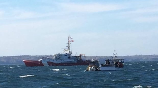 A Department of Fisheries and Oceans vessel investigated had to stop a U.S. fishing boat in Canadian waters near the New Brunswick-Maine coastal border.