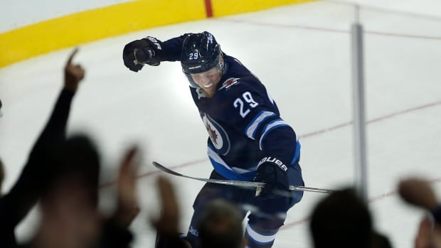Blake Wheeler's 200th NHL Goal Lifts Jets Over Minnesota Wild