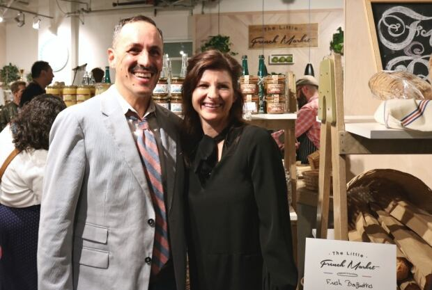 Gilles & Andrea - Little French market