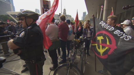 4 charged following duelling demonstrations in Toronto