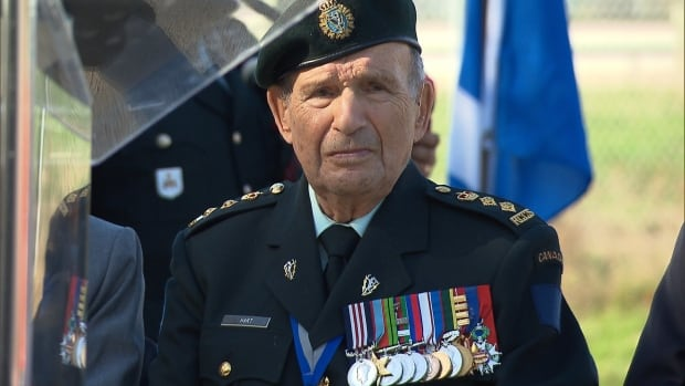 Honorary Colonel David Lloyd Hart dieppe raid veteran