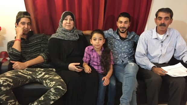 Unable to find work, many Syrian refugees reluctantly turn to social assistance(CBC, Nov. 13/17)